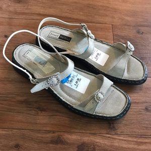 Josef Seibel NWT Natural Suede Flat Sandals 11